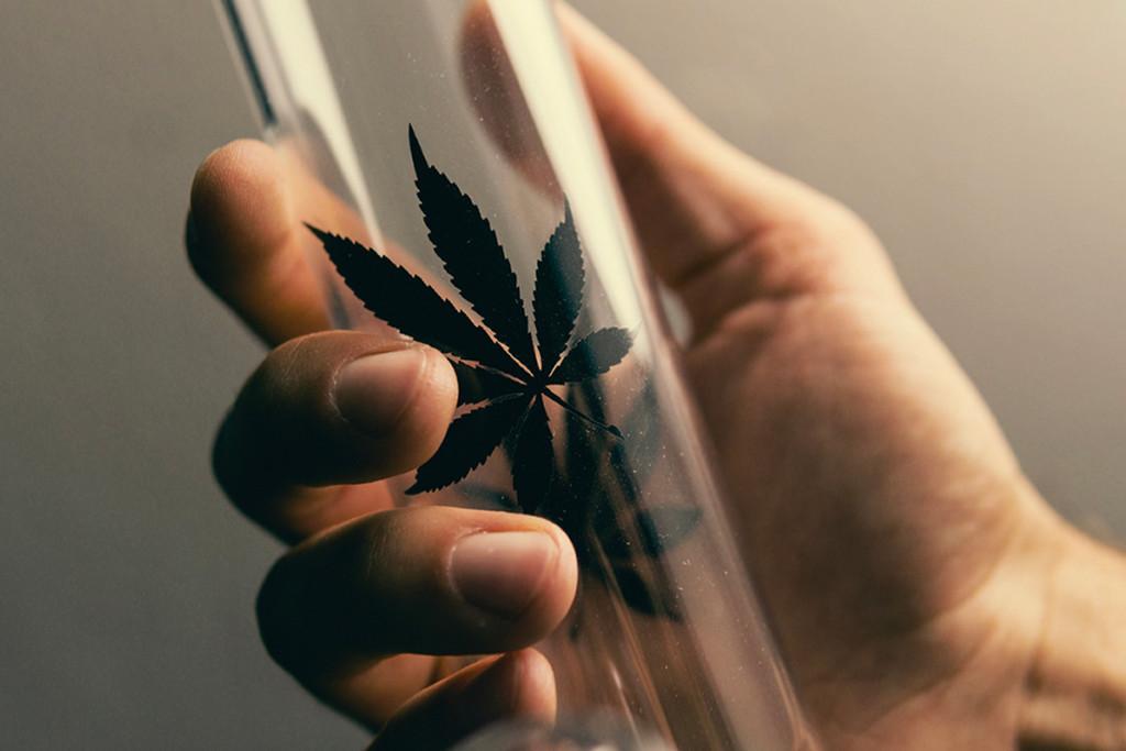 Geen Vloei Geen Paniek De Beste Manieren Om Wiet Te Roken